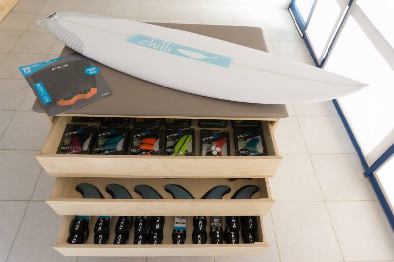 BoardX surfcoach Rik opent Magic Board Center in Portugal!