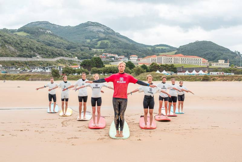 BoardX Zarautz is looking for international surf instructors for summer 2018!